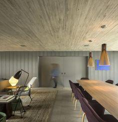 // B+B House by Studio MK27+ Galeria Arquitetos. Photo: Fernando Guerra | FG+SG