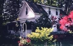 """Rideau Lakes Region 2 br Lake Front Vacation Rental Cottage: """"One Little Cottage"""" on the Rideau Canal"""