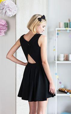 Robe Emma en tissu noir avec structure - La Maison Victor