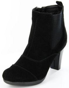Dieser Schuh steht für Qualität und Komfort. Außerdem bringt er deine Beine vorteilhaft zur Geltung. Mit diesen erstklassigen Stiefeletten bist du immer up-to-date. Andrea Conti, Damen Stiefeletten – 1004106 – black; Jetzt in 360° Ansicht, nur auf PLAZA51!