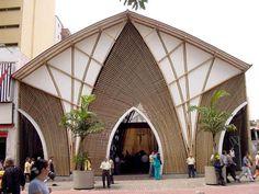 Pereira Colombia Hospital Architecture, Office Building Architecture, Bamboo Architecture, Architecture Design, Bamboo Building, Architecture Drawing Art, Bamboo Structure, Café Bar, Facade