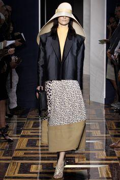 Balenciaga Spring 2012 Ready-to-Wear Collection Slideshow on Style.com