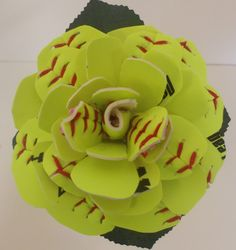 Fußball-Schatz Boutonniere - New Ideas Softball Room, Senior Softball, Softball Senior Pictures, Softball Pitching, Softball Players, Girls Softball, Fastpitch Softball, Baseball Mom, Baseball Jerseys
