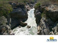 #informacionsobreacapulco El hermoso río Papagayo en Acapulco. NOTICIAS DE ACAPULCO. El río Papagayo no nace en Acapulco, pero gran parte de su cauce lo cruza y también aquí, encuentra su desembocadura al mar. Es un afluente muy importante gracias a la biodiversidad que contiene, así como a la vida que da por el agua que transporta. Te invitamos a descubrir más sobre el hermoso Acapulco, durante tu próximo viaje. www.fidetur.guerrero.gob.mx