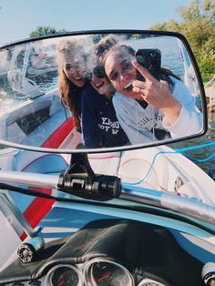 boat with the best friends! my pic Instagram: hannah_meloche Pinterest: hannahmeloche