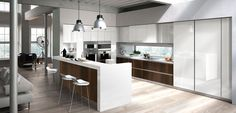 Snaidero USA provides the American market with the finest in Italian modern luxury kitchen designs, created by the world's foremost architects and designers. Kitchen Cabinets Models, Kitchen Arrangement, Grey Kitchen Island, Kitchen Design Open, Kitchen Designs, Open Kitchen, Kitchen Modular, Cuisines Design, Contemporary Decor
