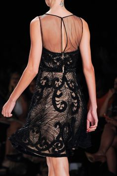 118 details photos of Naeem Khan at New York Fashion Week Spring 2014.