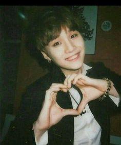 When Yoongi gets a snap from his old friend omega verse ¡top¡hoseok ¡bottom! Jimin, Min Yoongi Bts, Min Suga, Bts Bangtan Boy, Yoonmin, Seokjin, Namjoon, Taehyung, Kpop