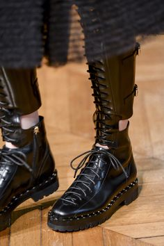 Valentino Fall 2017 Fashion Show Details - The Impression Sock Shoes, Men's Shoes, Shoe Boots, Ankle Boots, Trendy Womens Shoes, Lace Heels, Shoes 2017, Winter Shoes, Beautiful Shoes