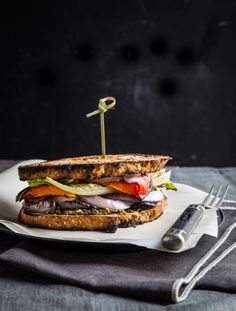 Grilled Veggie Sandwiches | www.jellytoastblog.com #WeekdaySupper #ChooseDreams