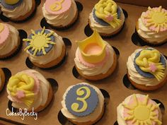 Vanilla buttermilk cupcakes with vanilla buttercream frosting and custom fondant toppers for a Tangled birthday party :) Rapunzel Cupcakes, Disney Princess Cupcakes, Tangled Birthday Party, Disney Birthday, Birthday Parties, Buttermilk Cupcakes, Fondant Toppers, Love Cake, Birthday Cupcakes
