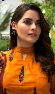 Stunning and Unique Sleeves Designs for Dresses - Kurti Blouse Churidhar Neck Designs, Churidhar Designs, Salwar Neck Designs, Kurta Neck Design, Neck Designs For Suits, Sleeves Designs For Dresses, Neckline Designs, Kurta Designs Women, Blouse Neck Designs