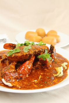 Singapore food - Chili Crab with fried bun (mantou)