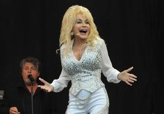Pin for Later: 19 Stars Who Are Totally Fine With Not Having Kids Dolly Parton