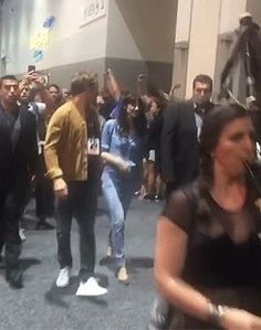 jamesandclairefraser — Sam and Cait on the way to the Comic Con autograph...