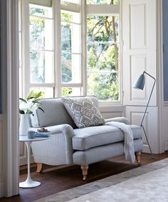 Bluebell loveseat in Gull coloured herringbone - a sweet loveseat in a beautiful light grey herringbone fabric (although it's available in many different textures and fabrics). It's finished off with wooden legs.