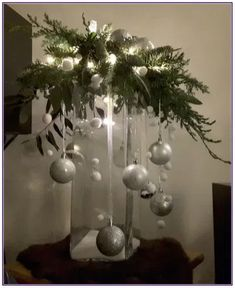 christmas centerpieces 21 beautiful christmas decorating ideas on a budget 00004 Christmas Vases, Silver Christmas Decorations, Christmas Arrangements, Christmas Flowers, Cheap Christmas, Rustic Christmas, Simple Christmas, Christmas Wreaths, Christmas Wedding