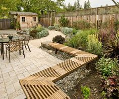 Small Patio Ideas - Traditional Patio with Bench Seating ---> perfect for 7420 when we prep to sell ...