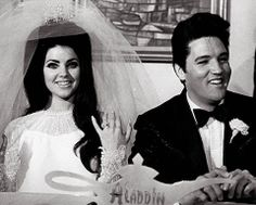 Elvis Presley met Priscilla Beaulieu when she was 14. They married seven years later in their suite at the Aladdin Hotel in Las Vegas. The ceremony was attended by few guests and featured a $ 10,000 breakfast reception and press conference.
