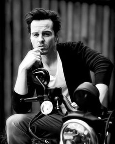 75 отметок «Нравится», 2 комментариев — Sherlock Fanboy (@andrews.scottie) в Instagram: «o shit he's hot - - - #andrewscott»