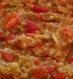 Pickling Cucumbers, Oriental Food, Romanian Food, Food Platters, Jamie Oliver, Ratatouille, Eggplant, Food And Drink, Vegetables