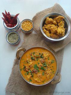 Chettinad Pakkoda Kuzhambu | Chettinad Lentil Curry | Pakoda Kuzhambhu Recipe