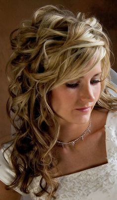 Wedding hairstyles half up half down curls. Wedding hairstyles half up half down with curls and braid. Wedding hairstyles half up half down with curls. Half up half down wedding hairstyles loose curls. Wedding hairstyles half up half down curls. Prom Hairstyles For Long Hair, Down Hairstyles, Pretty Hairstyles, Bridal Hairstyles, Bridesmaid Hairstyles, Formal Hairstyles, Medium Hairstyles, Popular Hairstyles, Hairstyle Ideas
