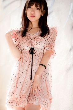 I want a dress like this >.