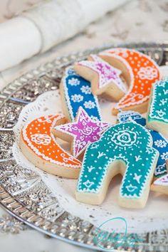 Masjid Cookie Cutter Fabulous gift for Ramadan and Eid Eid Crafts, Ramadan Crafts, Ramadan Sweets, Churros, Decoraciones Ramadan, Eid Cake, Islamic Celebrations, Muslim Holidays, Eid Food