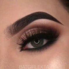 Smoke Eye Makeup, Makeup Eye Looks, Eye Makeup Steps, Dark Skin Makeup, Eye Makeup Art, Eyebrow Makeup, Eyeshadow Makeup, Brown Eyes Eyeshadow, Burgundy Eyeshadow Looks
