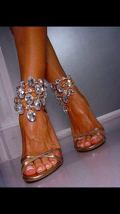 blinging wedding shoes