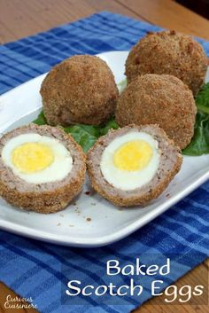 Avoid the deep fryer with these Baked Scotch Eggs, this easy recipe is perfect for a fun lunch or picnic. Healthy Egg Recipes, Cooking Recipes, Hunt To Eat, Homemade Scotch Eggs, Picnic Snacks, Scottish Recipes, Pub Food, English Food, Recipes