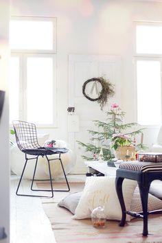 My christmas decorations. White Livingroom. Joulusisustuskuvia