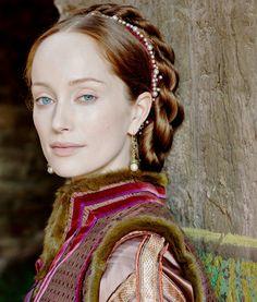 Natural makeup: Lotte Verbeek as Giulia Farnese in The Borgias