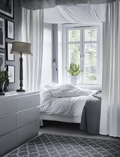 Cosy bedroom with grey and white colours. Scandinavian interior decoration ideas and inspiration. Cosy Bedroom, Cozy Room, Home Decor Bedroom, Modern Bedroom, Bedroom Furniture, Bedroom Ideas, White Furniture, Bedroom Designs, Bedroom Inspiration