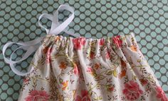 Tutorial Tuesday: recycled pillowcase bag - Mollie Makes