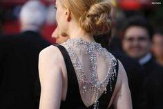 Nicole Kidman - Diamond necklace worn down her back. Beautiful.   rudells.com