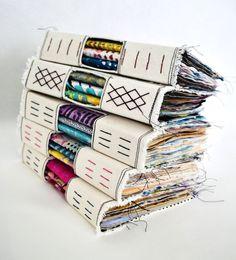 Bullet Journal Art, Book Journal, Fabric Journals, Fabric Books, Art Journals, Book Binding Design, Homemade Books, Bookbinding Tutorial, Art Journal Techniques