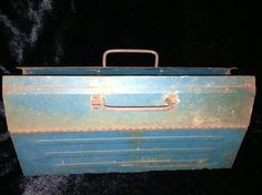 RENT a rusty old blue toolbox from MARTHA CLAIRE'S MARKET and make a sweet centerpiece for your rustic even <3