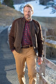 Bills Twill Khakis have the ultimate comfort and style, no matter what the temperature is outside.
