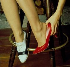 one shoe on and one shoe off, Audrey Horne