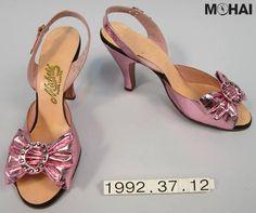 bcfe3e3e6c 51 Best Seattle Fashion images | Seattle fashion, 1940s, Evening dresses