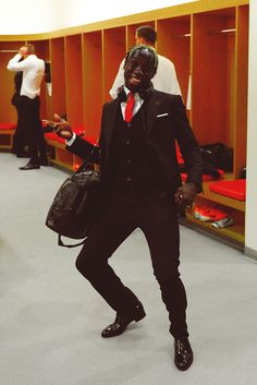 Sagna in the Dressing Room Before Match vs Fulham 2013-2014.
