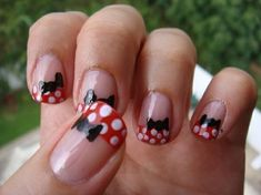 Minnie Mouse. Need to try this on my nails sometime, Cute Idea!