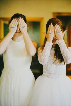 Nice wedding photo for fun between bride and maid of honor. To be done with groom or all best men/ women, such a nice souvenir.