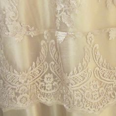 Carolyn Lace Champagne overlay  Wildflower Linen - TABLE LINEN