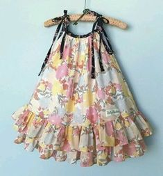 Best 12 last summer's pillowcase dress… wish it would fit this year, maybe a top – SkillOfKing. Frocks For Girls, Little Dresses, Little Girl Dresses, Dresses Dresses, Girls Summer Dresses, Cotton Frocks For Kids, Baby Dresses, Dresses Online, Girls Frock Design