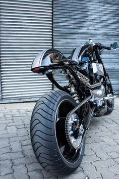 Nera #CafeRacer... This is sweet, love this.