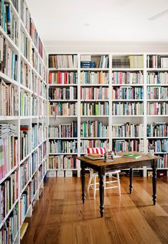 Here, we take a look at 10 enviable home libraries from the pages of *Australian House & Garden* that are both well designed and well read. Daybed Design, Melbourne House, Interior Decorating, Interior Design, Decorating Ideas, Winter Home Decor, Home Libraries, Australian Homes, Storage Design