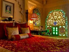 Read about my stay in the most romantic hotel in the world: Taj Lake Palace Udaipur, one of the best places to visit in Udiapur. Palace Interior, Mansion Interior, Luxury Homes Interior, Royal Bedroom, Gold Bedroom, Bedroom Decor, Indian Room Decor, Indian Bedroom, India Palace
